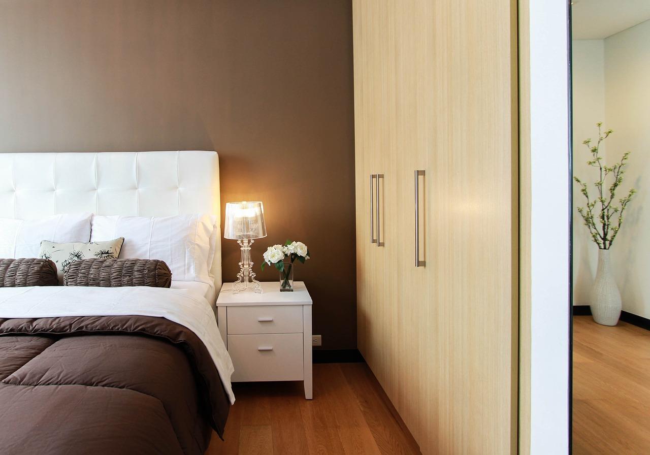 寝室に使いたいアクセントクロス 寝室に合う壁紙の色は Life